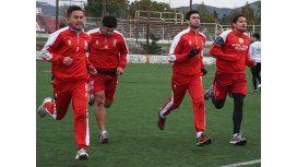 Los jugadores de Huracán afrontaron ayer una práctica sin DT en el barrio Industrial.