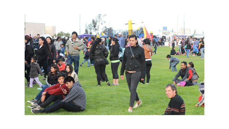 El Chaqueño, la Vela Puerca y Banda al Rojo Vivo abrieron la megafiesta por el cumpleaños  de Comodoro