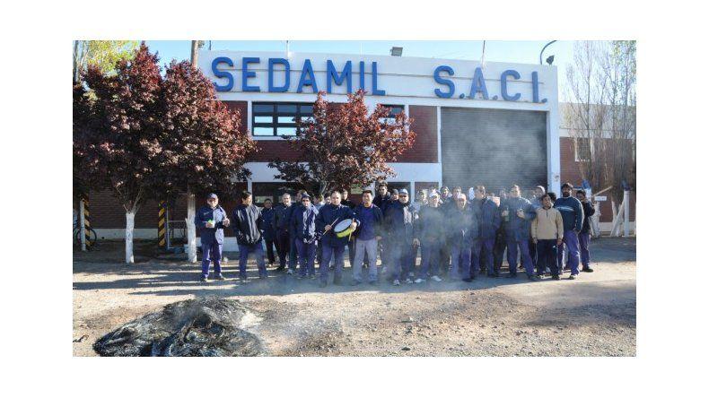 Crisis en Sedamil: cesación de pagos y 360 obreros en riesgo