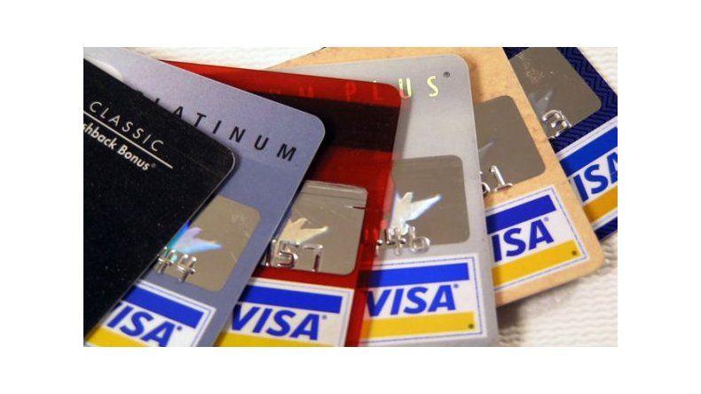 Quejas de comerciantes por el peso de las comisiones en las tarjetas de crédito