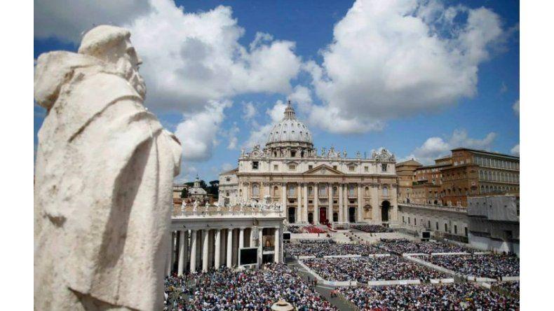 La Iglesia creó un Tinder para encontrar confesionarios