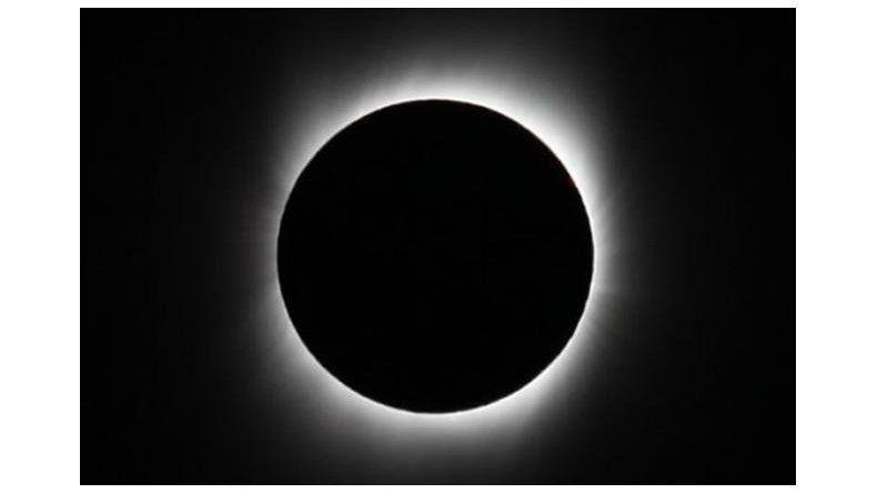 Mañana se verá el único eclipse total de sol del año