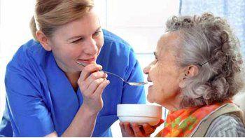 Habilitarán un Registro de Cuidadores Domiciliarios