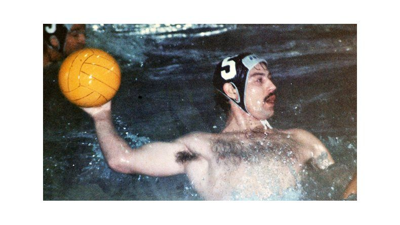 El deporte que le sumó juego colectivo a la natación