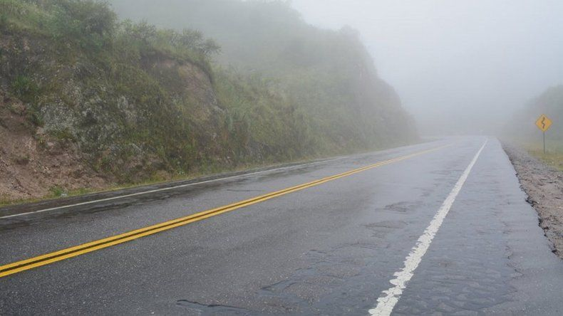 Rutas húmedas: piden transitar con precaución