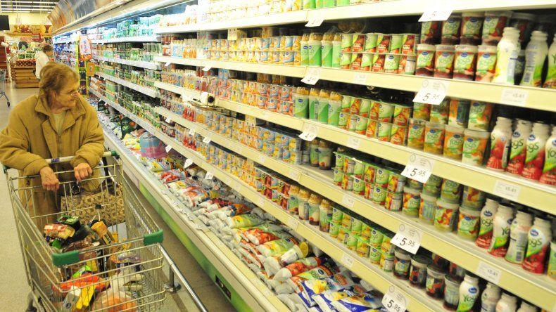 Buscan bajar el IVA en productos de la canasta básica
