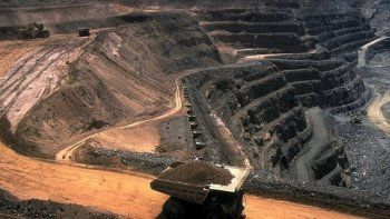 Un ferrocarril patagónico es beneficioso para la minería en Chubut
