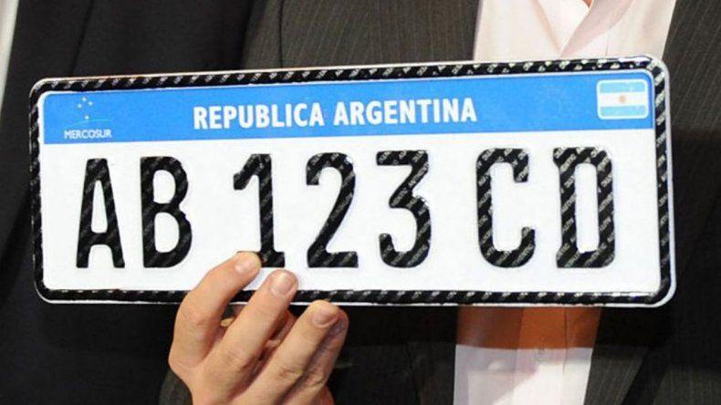¿Cuándo entregan las nuevas patentes para autos del Mercosur?