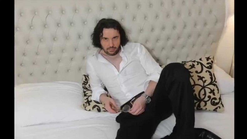 Ergün Demir, furioso con una disco de Villa Carlos Paz