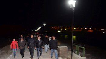 Buzzi inauguró el muro de defensa y el paseo costero en Río Mayo