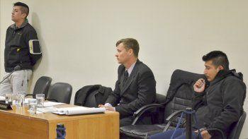 Un comisario y dos suboficiales en el banquillo de los acusados. Son juzgados por vejaciones y apremios ilegales con lesiones leves agravadas por ser funcionarios públicos.