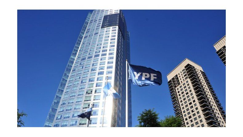 Tras los anuncios, YPF se dispara un 8,1%