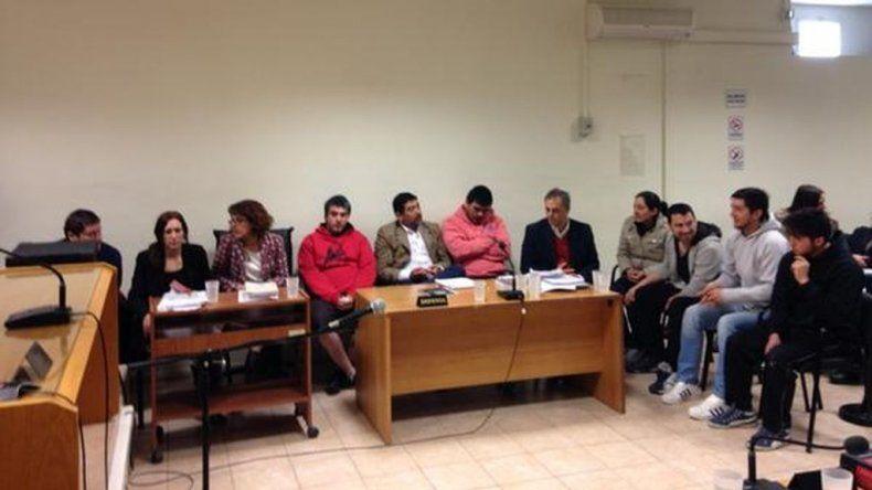 Los siete imputados por el crimen de Exposito Moreno.