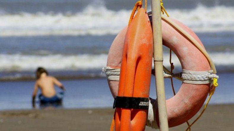 Una camioneta y una embarcación recorrerán las playas