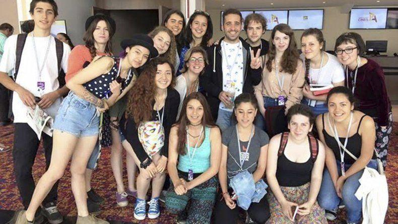 Alumnos y docentes de la escuela 788 de Lago Puelo compartieron el Festival con estrellas del cine nacional y mundial.