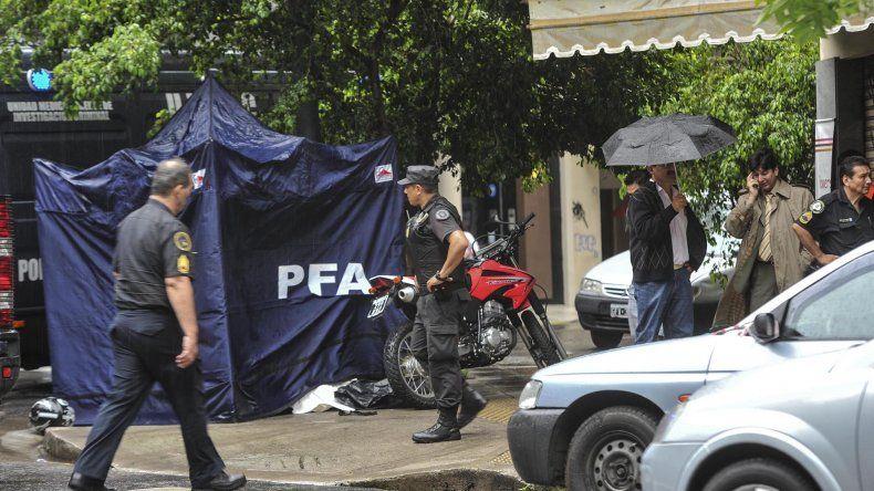El conductor de una moto murió de un disparo en el barrio porteño de Palermo.