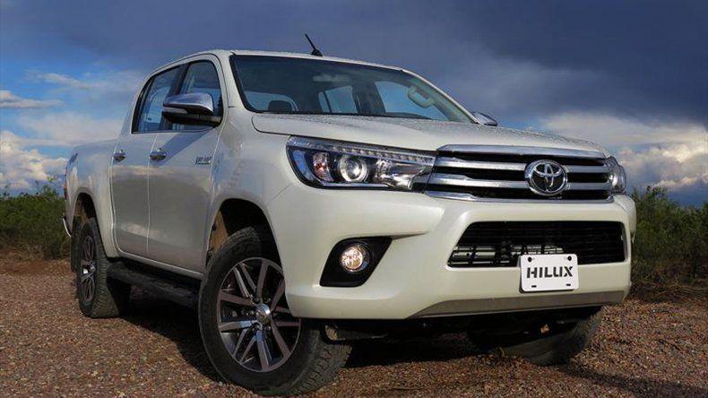 La nueva Toyota Hilux en movimiento