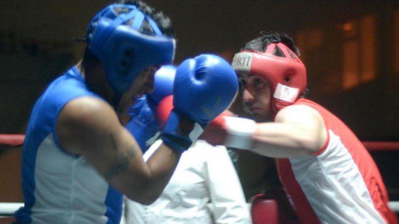 Cinco fueron los combates de boxeo amateur que se llevaron a cabo la noche del viernes en el gimnasio municipal 1.