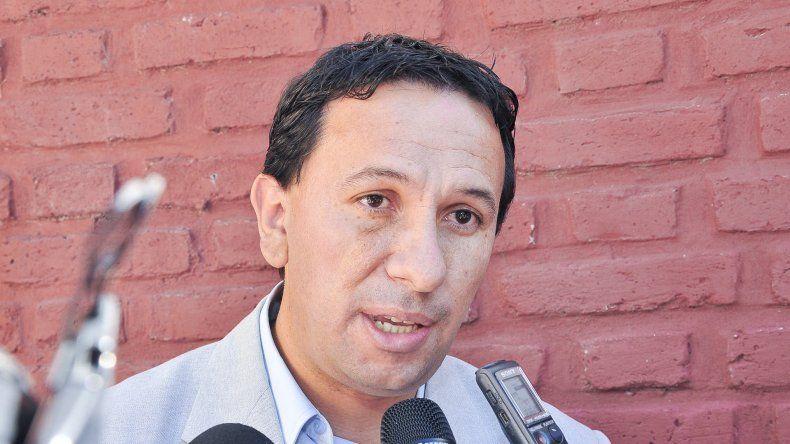 Adrián Maderna niega que tenga en vista por ahora ser candidato a gobernador en 2019. También trata de restarle importancia a los regionalismos.