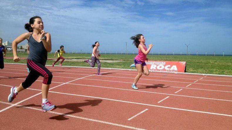 Los atletas desafiaron al viento y se hicieron presentes en el torneo Félix Malo.