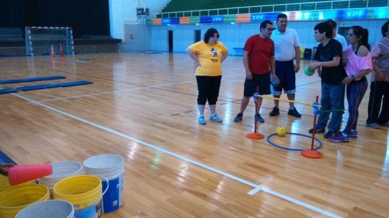 Los chicos del deporte adaptado cerraron el año con un encuentro recreativo