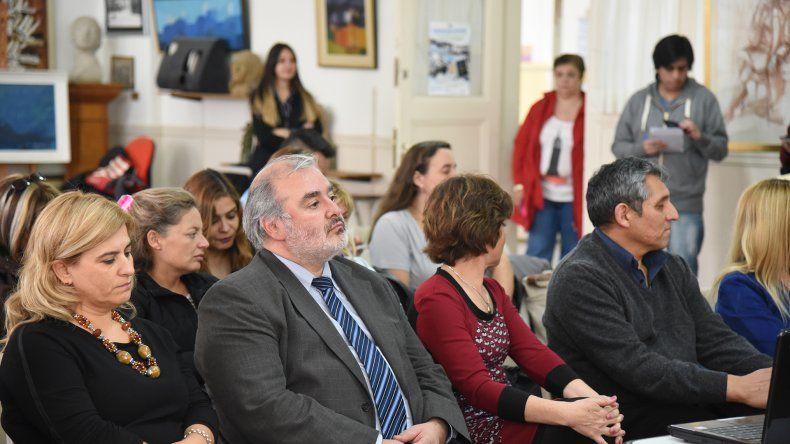 En la Pinacoteca del Colegio Perito Moreno se presentó la próxima edición de las Escuelas de Verano en Chubut.
