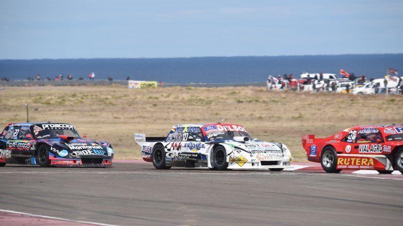Alan Ruggiero esperó paciente su posibilidad y  ganó la penúltima del campeonato de TC Pista