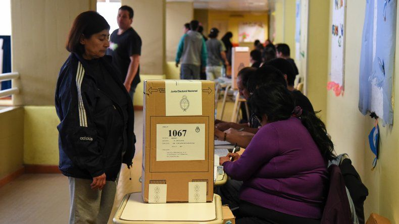 Los ciudadanos deberán votar en las mismas mesas y escuelas donde lo hicieron el 25 de octubre.