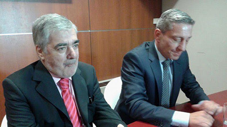 El gobernador electo Mario Das Neves junto a su vicegobernador Mariano Arcioni.