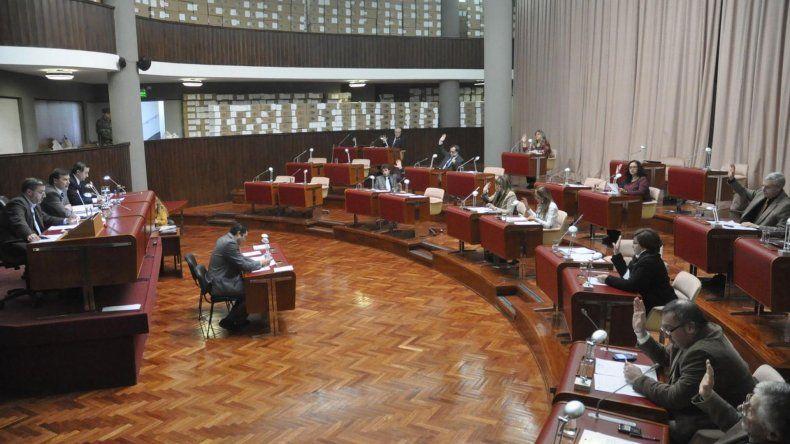 La legislatura aprob la nueva ley de ministerios chubut for Ley de ministerios