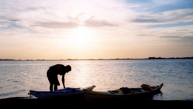 En la laguna se puede disfrutar de la pesca y actividades náuticas.