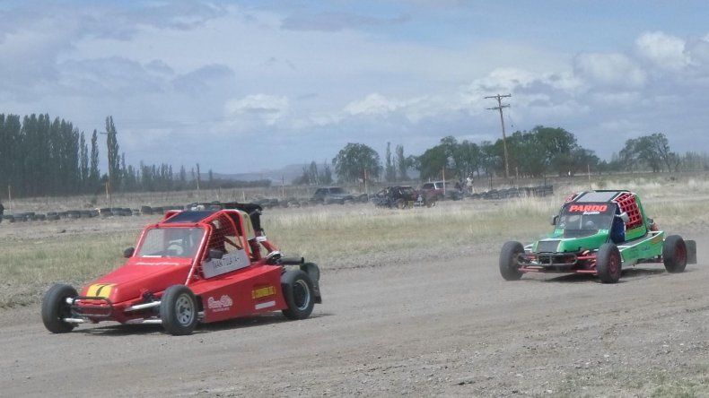 Sarmiento corrió la última fecha de la temporada en el circuito 5 de Octubre.