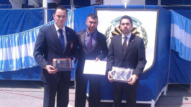 Los tres investigadores ayer fueron reconocidos por su labor en la detención de Cristian Mai Bustos.