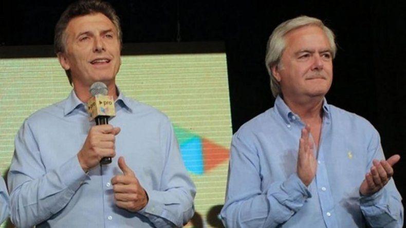 Macri recibirá bastón y banda presidencial de manos de uno de sus propios legisladores.