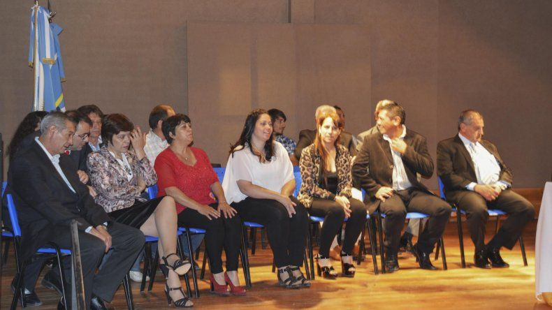 Los nuevos concejales en el acto realizado el miércoles.