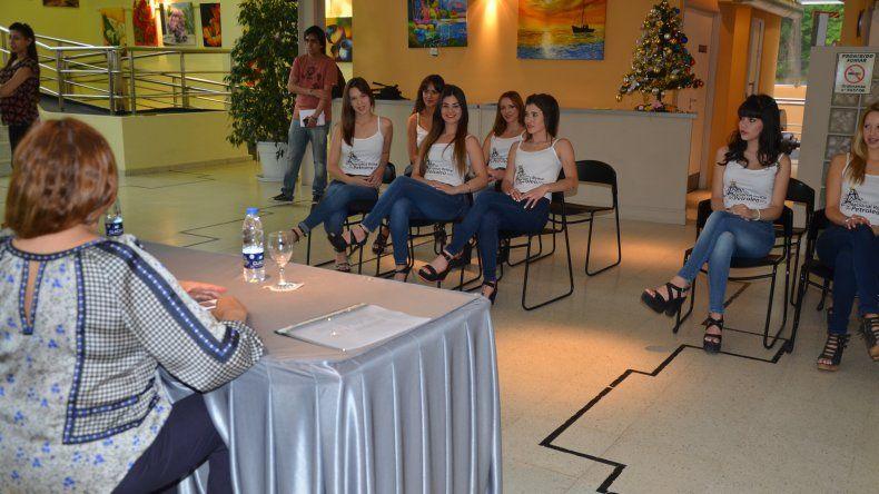 Conocé a las candidatas a Reina del Petróleo. Foto: Norberto Albornoz