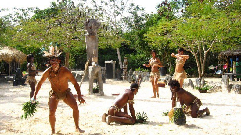Manatí Park ofrece show y el contacto directo con los animales más exóticos del país.