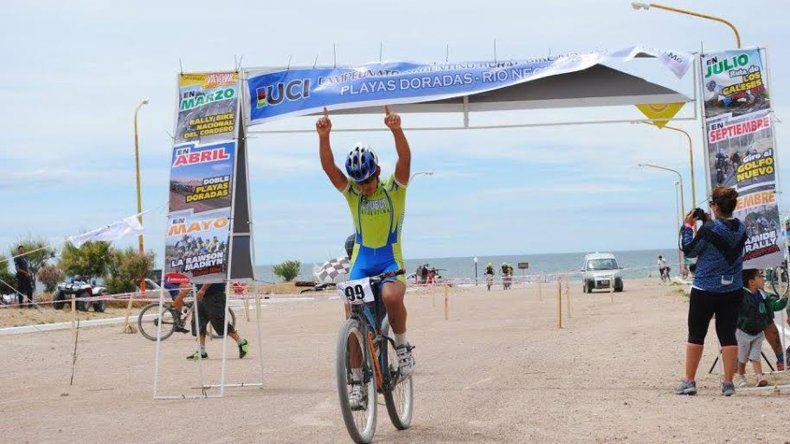 Mateo Mendoza logró una medalla de plata.