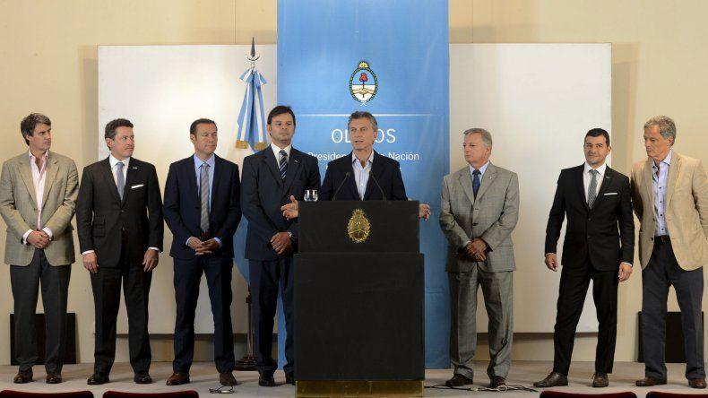 El presidente Mauricio Macri anunció la firma de un acuerdo comercial entre YPF y Dow Argentina.