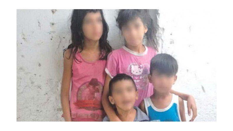 Hallan a cinco niños en estado de abandono