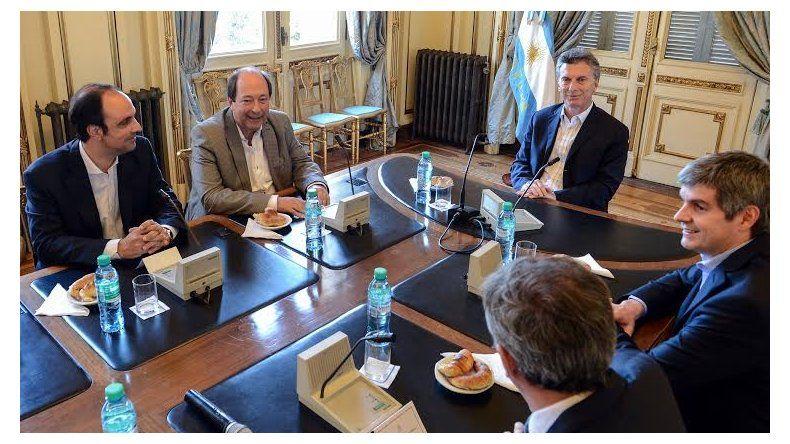 El Presidente recibió a la nueva cúpula radical en Casa Rosada.