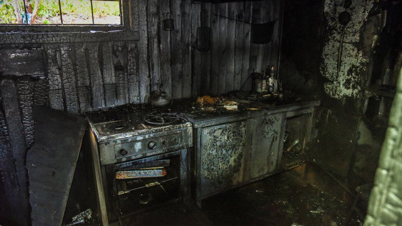 Un anciano del barrio La Floresta sufrió quemaduras al incendiarse su vivienda