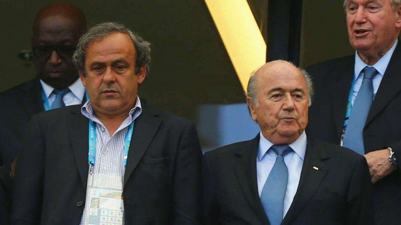 Michel Platini y Joseph Blatter fueron duramente sancionados.