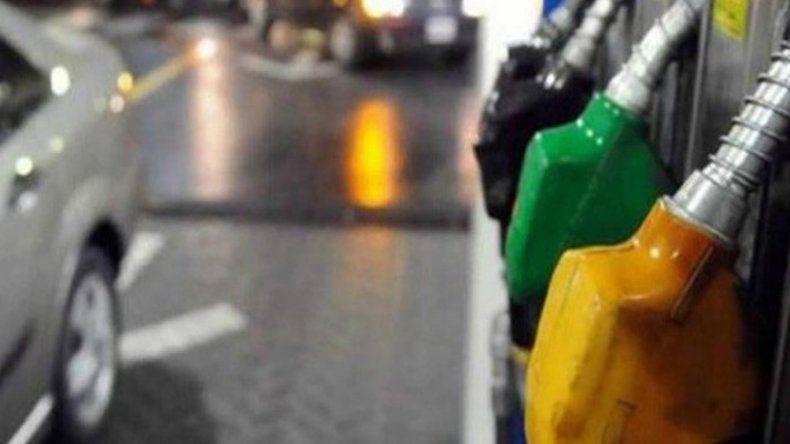 Estacioneros preocupados por la caída del consumo de naftas