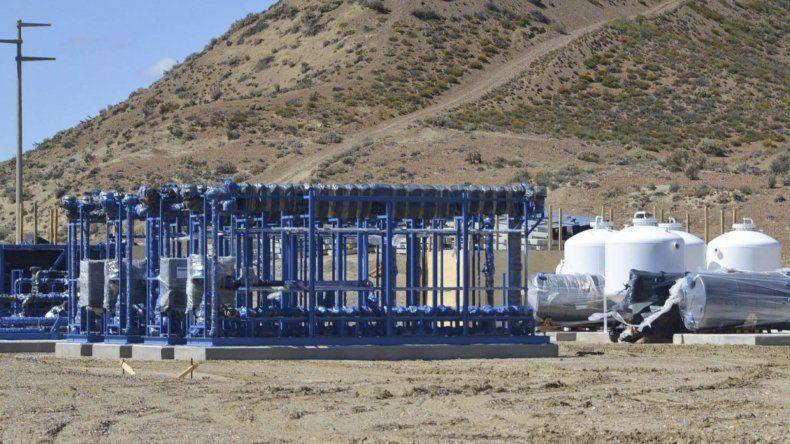 Cuatro de los módulos estructurales destinados a la planta de ósmosis inversa ya se encuentran en el predio.