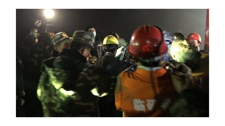 Aún hay personas atrapadas en una mina en China