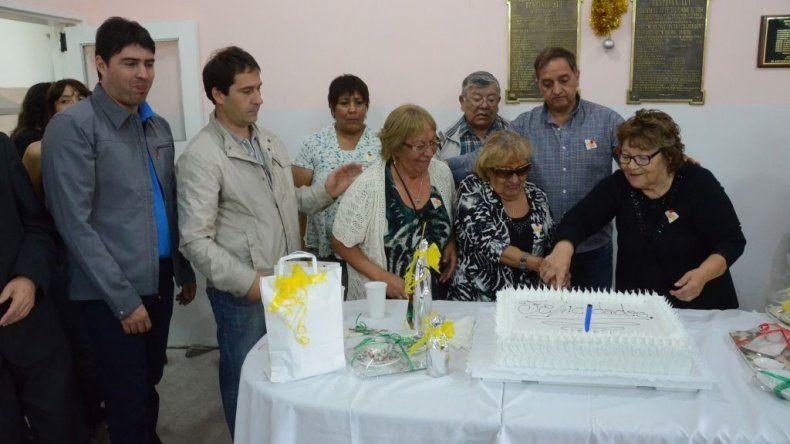 Con la presencia de las autoridades municipales se llevaron a cabo los festejos por los 51 años de la creación de la Asociación Vecinal del barrio Restinga Alí.