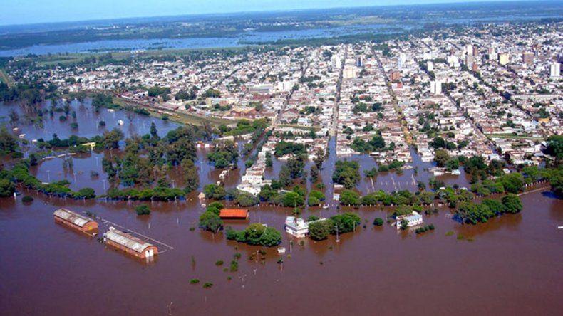 Hay 10 mil evacuados: 2.500 en centros de evacuados y 7.500 se encuentran en casa de familiares.