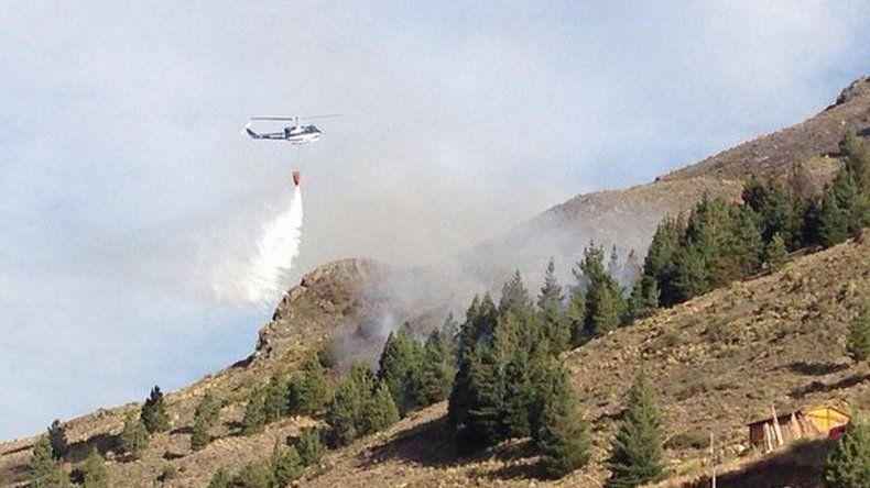 Esquel: Bomberos trabajaron más de 7 horas para detener un incendio