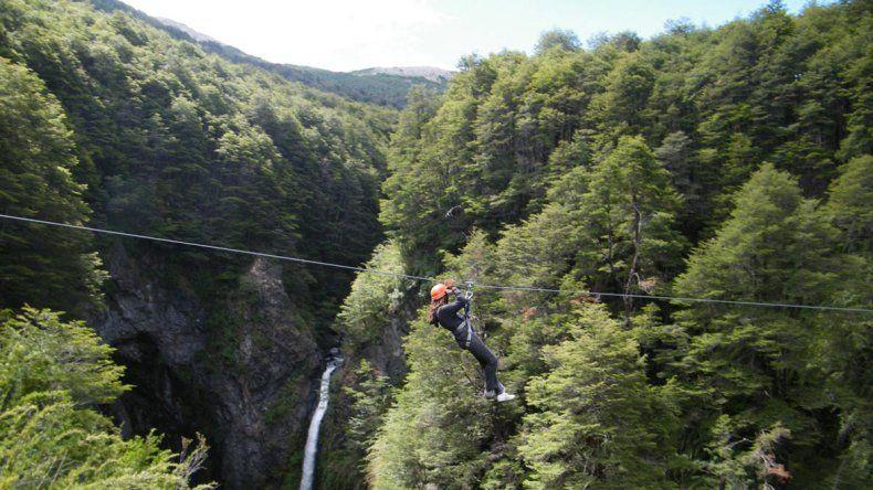Tirolesa en Villa La Angostura
